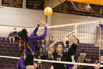 Volleyball Girls Earn Comeback Win