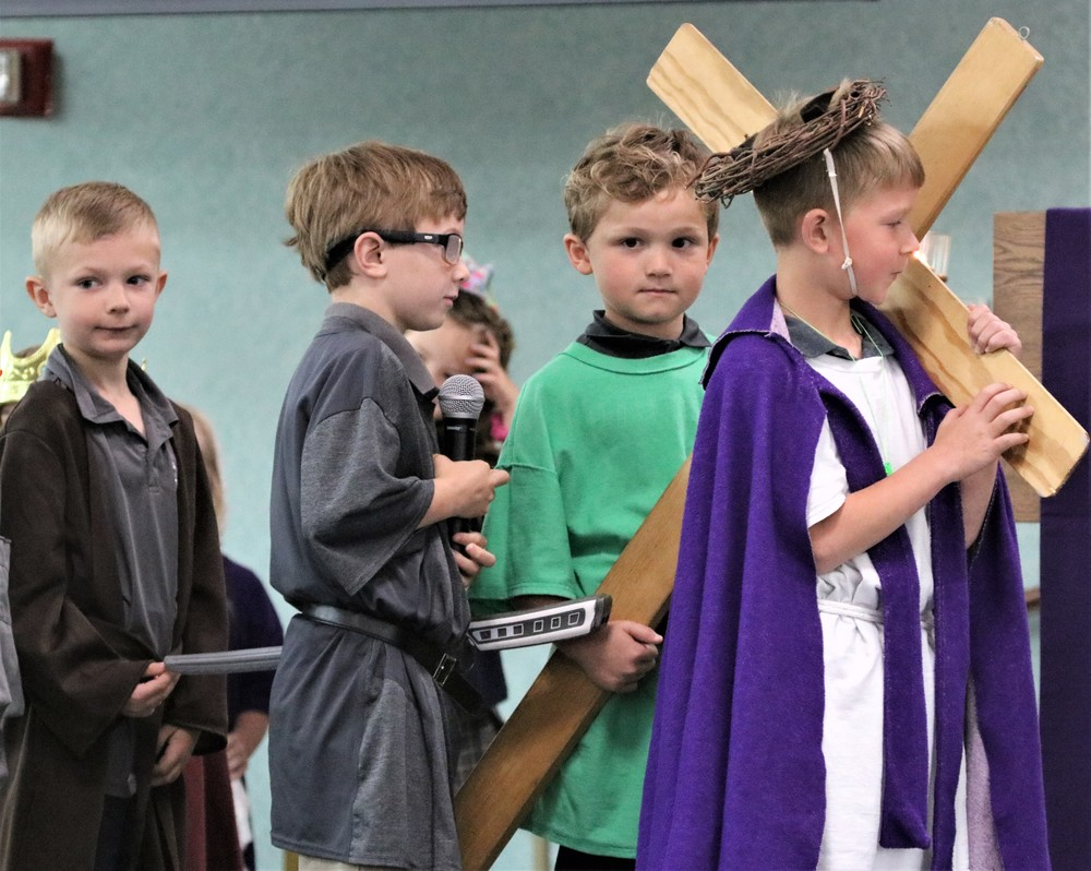Kindergartners Present Passion of Christ