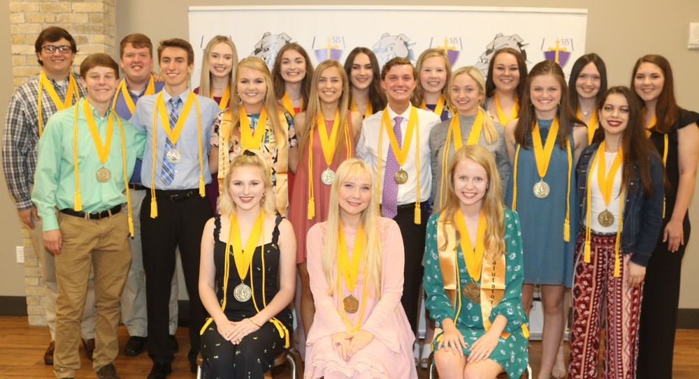 Honor Graduates Recognized