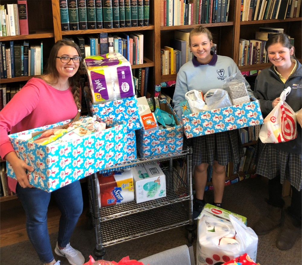 Honor Society Helps Young Mothers