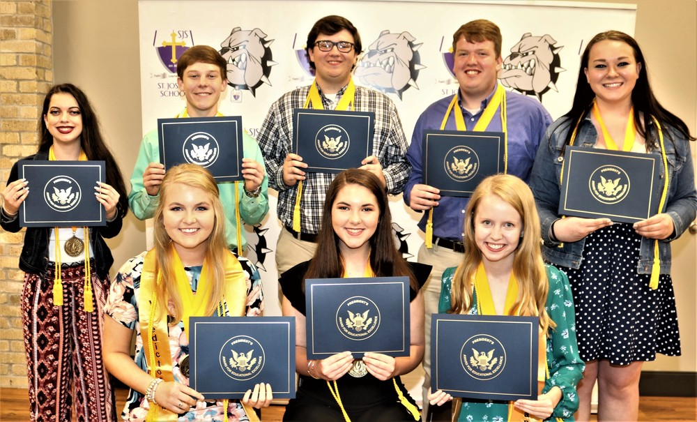 Seniors Receive Presidential Awards